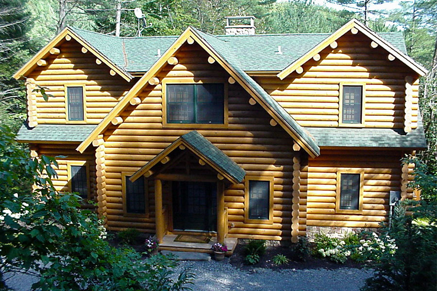 Exterior of a NH Log Cabin Home