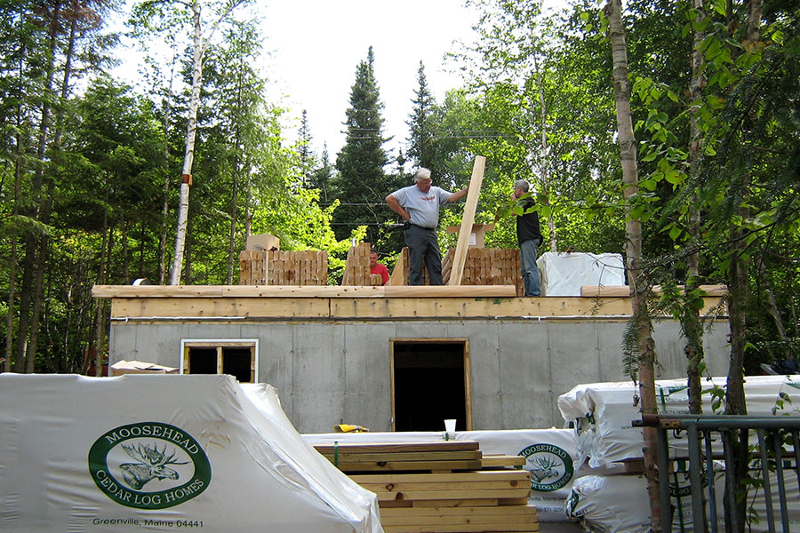 Log home exterior under construction
