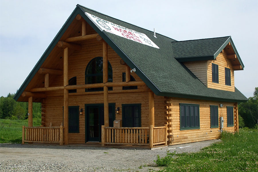 NH Log Cabin Homes exterior